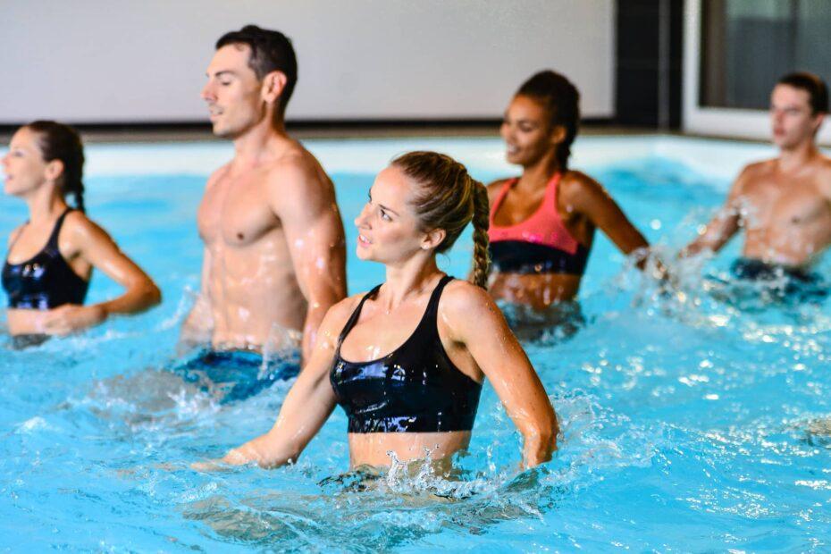 groupe dans une piscine
